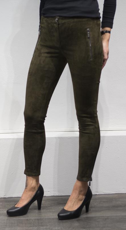 Semsket bukse fra Arma, finnes i beige og grønn