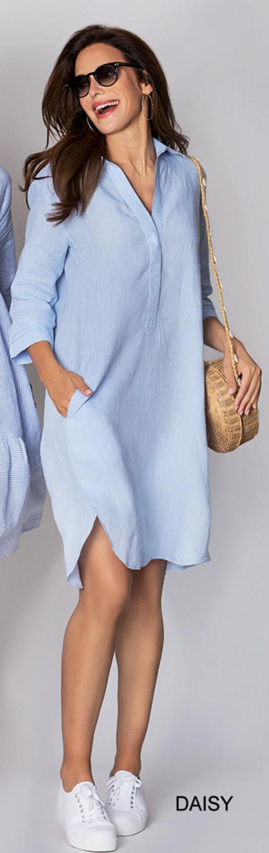 Lin kjole fra Angoor, finnes i blå og hvit
