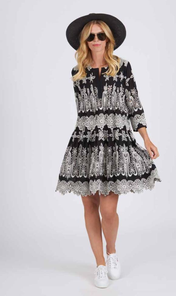 Anni kjole fra Angoor