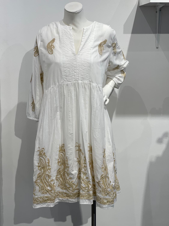 Alina kjole fra Angoor