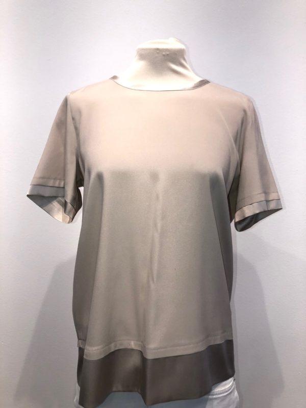 Bluse fra Max Volmary, finnes i flere frager
