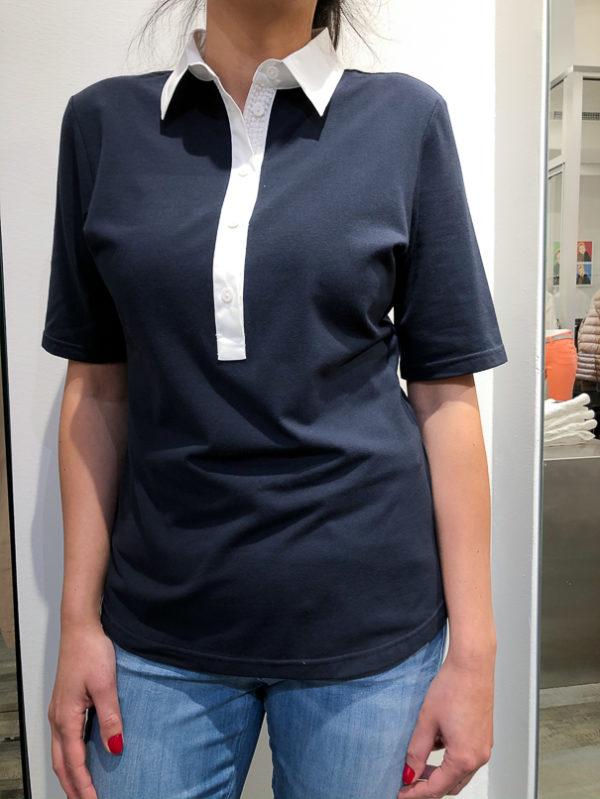 T-skjorte fra Max Volmary, finnes i hvit og mørkeblå